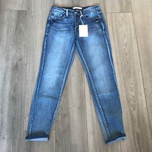 KanCan NWT distressed jeans